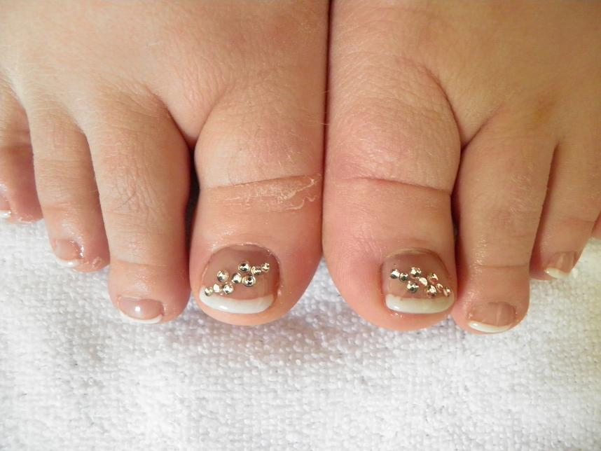 GEL AND ACRYLIC TOES - YOUR NAIL TECHNICIAN